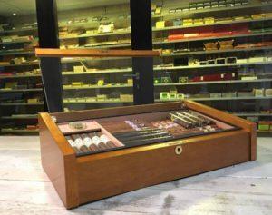 humidor gevuld met sigaren kopen